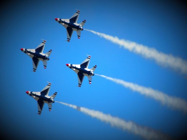 Sumer Memory EyeEm Best Edits Summertime Focal Point Utah Hill Air Force Bace Bird Aircraft Airplane Thunderbirds, Air Show, Aviation Thunderbird Military Airplane Military Life Military Base Great Salt Lake