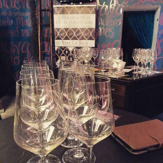 Todo a punto en Vinoteca SeñoritaMalauva de Madrid para la última cata del Wineuptour edición Viños Premium y Espumosos