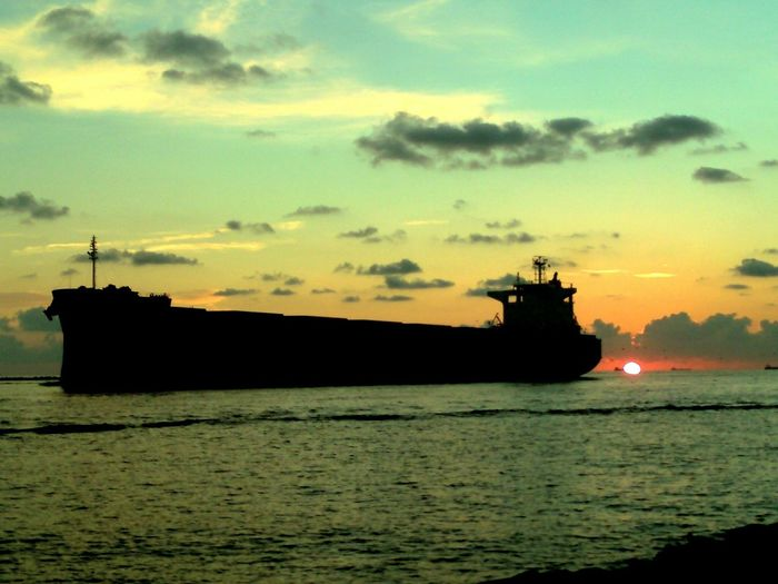Sun Riae and Big Ships