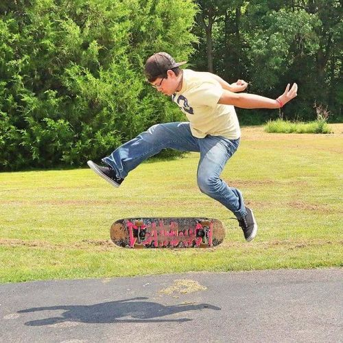 Spitfirewheels Spitfire Deathwishskateboards Deathwishskateboarding Grass Deathwish Sunlight Outdoors Tennesse Skatelife Skateboarding Beauty In Nature Nature Kickflip Board Kickflip Sk8ing Sk8 Boarding One Person Cheerful Day