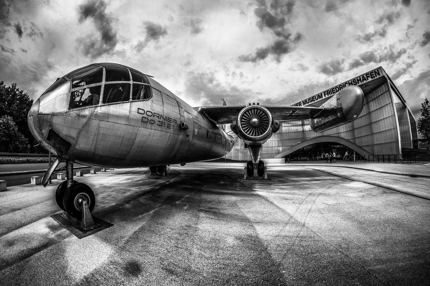 Plane Museum Bnw_captures Blackwhitephoto Blacknwhite_perfection Blacknwhitephotographie Noir_shots Blackandwhiteonly Blackandwhitephoto Bnw Sky