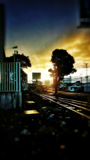 light & shadows morning EyeEm Best Shots EyeEm EyeEm Gallery EyeEm Selects Eyeemphotography EyeEm Best Shots - Sunsets + Sunrise San Jose, Costa Rica Costa Rica 🇨🇷 Costa Rica❤ Morning Light Morning Sky Sunrise_sunsets_aroundworld Sunrise_Collection Colored Sky Urban Cityscape