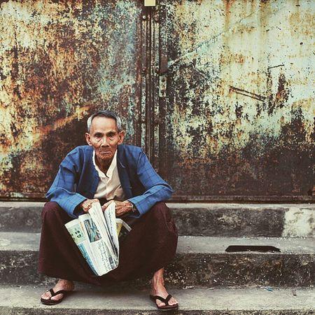 Humaninyangon Portrait Igersburmeseigers Igersmyanmar asiageographic yangonbyphone instaphotography picoftheday photooftheday street oldman burma myanmar yangon The Street Photographer - 2017 EyeEm Awards