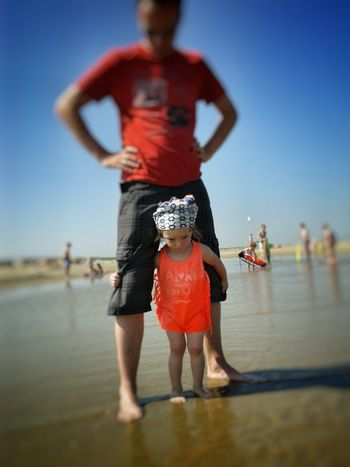 First time on the beach.. Person Water Sky Daddyslittlegirl Dady Beach View Netherlands ❤ Scenery Follow4follow Hello World Photooftheday Picoftheday Dutch Blue Beachphotography Sand Dunes Beachlife FirstTime Explore Todler