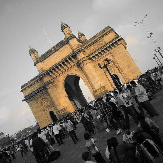 Gatewayofindia Town Centrefocus India Mumbai Historical InstaMix Instahub Instapics Instagram Instagood Igers Photography Beautiful Crowded Streetlights Pole Blackandwhite