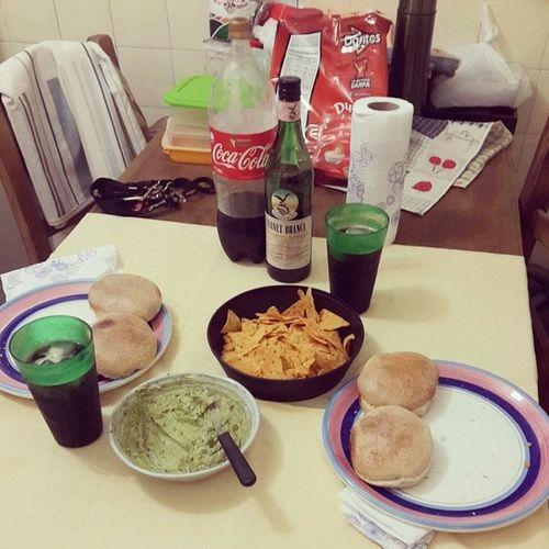 Nada como una buena cena con una amiga GrandesMomentos HamburguesasyFernet Ferneteameas