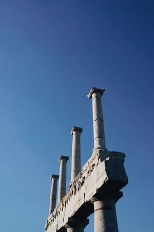 Column Blue Sky Architecture Building Ruins Pompeii  Italy Summer Evening Sky Looking Up Perspective