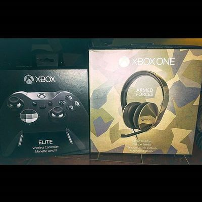 Sometimes u get blessed with gifts......with the help of a dear friend I finally scored the elite controller!!! XboxOne CallOfDuty Blackops3 Capturetheflag Elitecontroller Armedforces  Headset Xboxelitecontroller