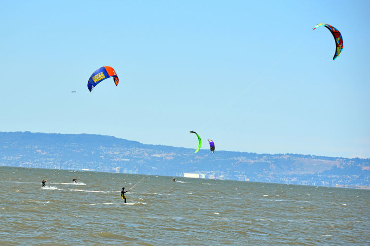 Kiteboarding In San Mateo 4 Kite Surfing Watersports Aquatic Sports Kiteboarding Kite Surfers Wind Power Sail Power Sport Colorful Sails Enjoying Life