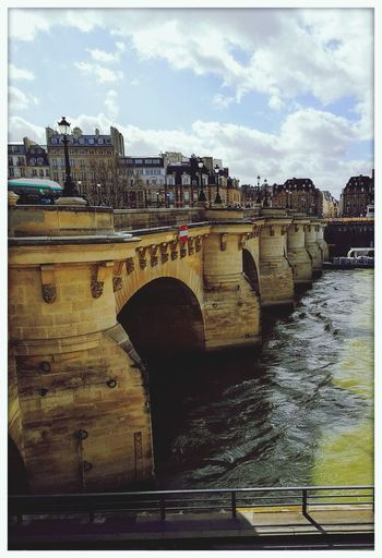 Bridge Historic Bridge LE PONT NEUF Paris View From Above Perspective City Water Cityscape Bridge - Man Made Structure Arch Architecture Built Structure