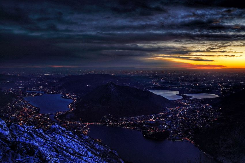 Belvedere pian dei Resinelli Lc Sonya7 A7r2 Lombardia Lake Lecco Comolakeitaly Sonya7r2 Sonyimage Sal24f20z Sunset City Sea Cityscape Night Cloud - Sky Travel Destinations No People Aerial View Landscape Sky Urban Skyline Blue Horizon Over Water Outdoors