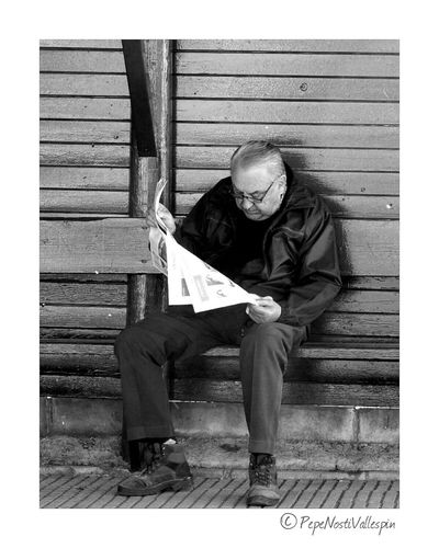 One Man Only Only Men One Person Senior Men Outdoors Real People Blackandwhitephotography Black And White Collection  Blanco Y Negro Street Photography Streetphotography Outdoor Photography Poladesiero
