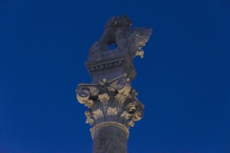 EyeEm Selects Statue Architectural Column Built Structure Architecture Sculpture Blue Sky History The Past Low Angle View Clear Sky Art And Craft Representation Outdoors Craft
