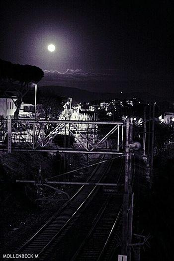 Binari verso la luna Santa Marinella Italy