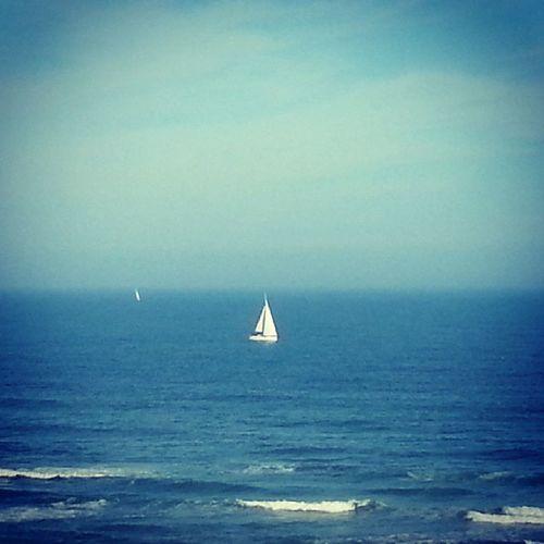 Oh mon bateau oh oh oh ! Canetplage Holidays Beach Waves boat bateau plage mer mediterannee