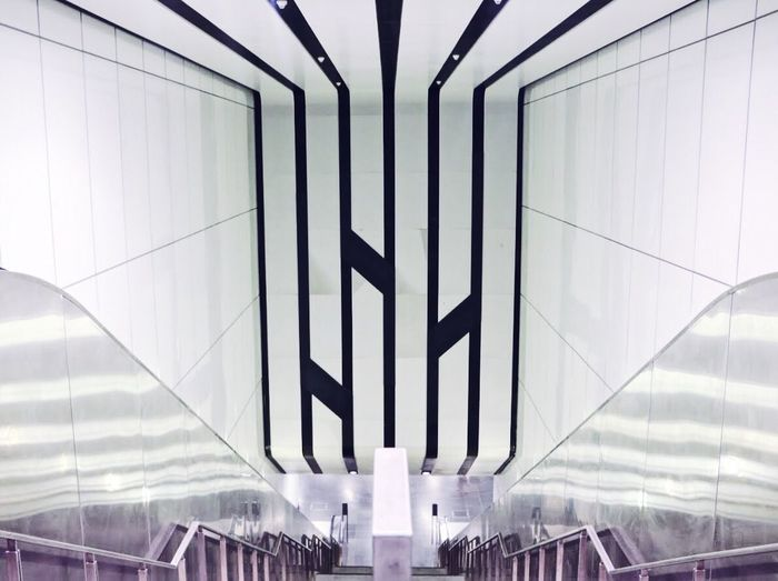 Futuristic Transportation Architecture Built Structure Indoors  No People Airport Day Arts Culture And Entertainment Lines White VSCO Singapore EyeEmNewHere EyeEm Selects White Background Modern Building Exterior Architecture Backgrounds Low Angle View City