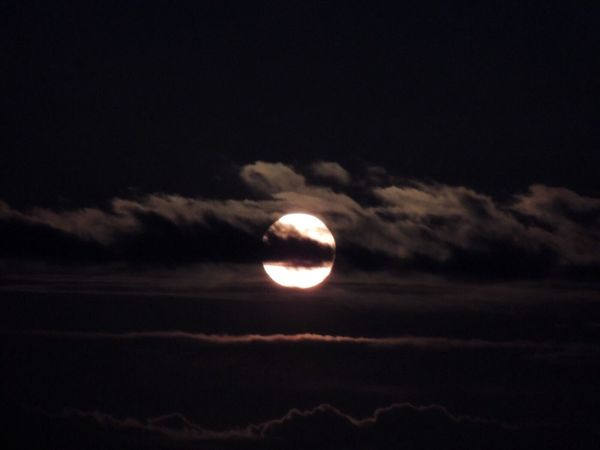 Moon Moon_of_the_day Full Moon Moon_collection Moon And Clouds Moon Over The Ocean Moonset At Sunrise MoonScape Moonset Sky And Clouds Dramatic Clouds Scenics Outdoors