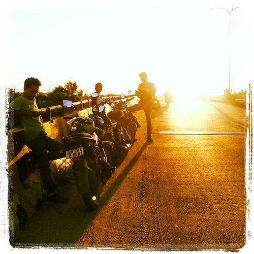Friends Free Freedom Sunset Adda Silhouette Flyover Warm MotoTrips Kolkata West_bengal