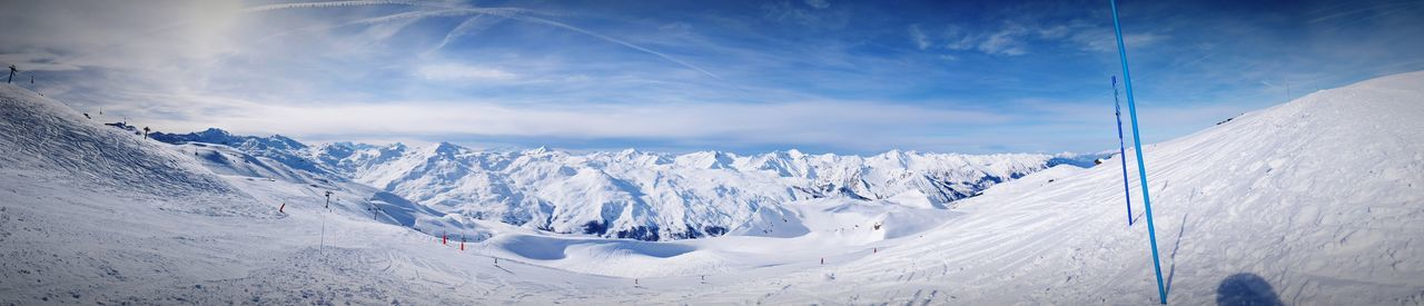 Peak of the valley Ski Snowboarding Snowboard Alps France Slopes Piste Snow Cold Temperature Winter White Color Nature Mountain Scenics Mountain Range Landscape Beauty In Nature Frozen Outdoors Cloud - Sky Blue Panoramic No People Ski Lift Sky Day First Eyeem Photo