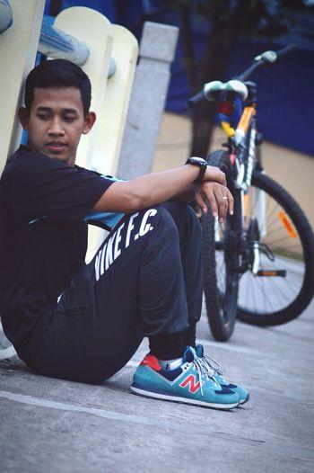 GOES 🚵 United Sports New Balance 574  Nike Hello World ✌ T90 Relaxing HelloEyeEm INDONESIA Yogyakarta First Eyeem Photo Eyem Gallery Shoes Hanging Out Rolex