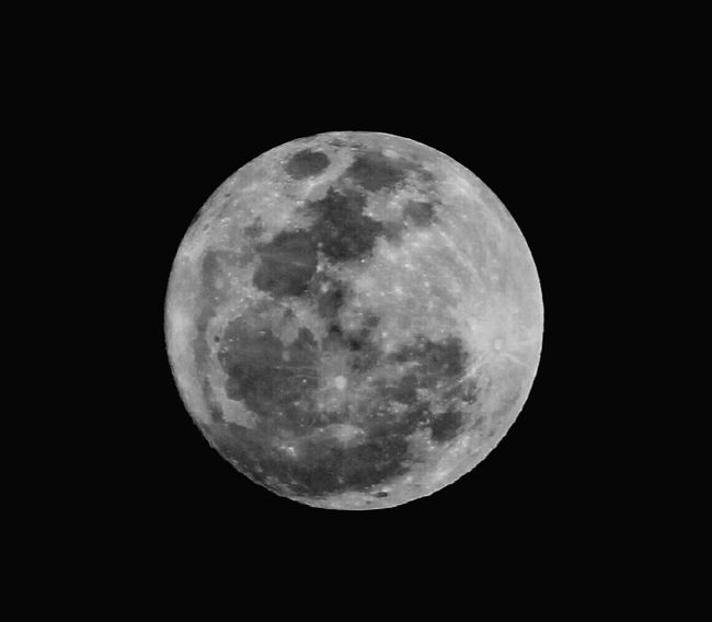 Moon Night Full Moon Astronomy Moon Surface Planetary Moon Majestic Beauty In Nature Nature Tranquility Scenics No People Tranquil Scene Outdoors Sky Space Exploration Close-up Clear Sky Space Supermoon EyeEmNewHere