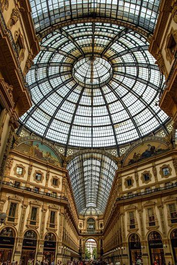 Manmade beauty Hello World Enjoying Life EyeEm Best Shots Hanging Out Italy Italia Milano Milan City Life City Cityscapes Love