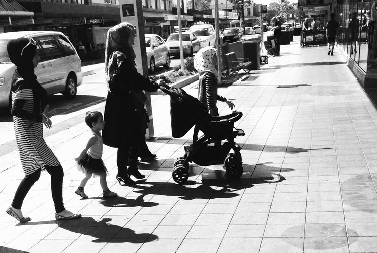 Streetphoto_bw Blackandwhite People Light And Shadow Darkness And Light Streetphotography
