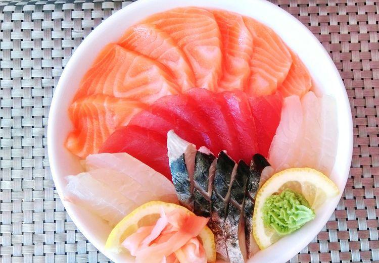 Sushi Fresh Produce Food Foodphotography Sushi Time Sashimi  Salmon Tuna Colorful Lunch