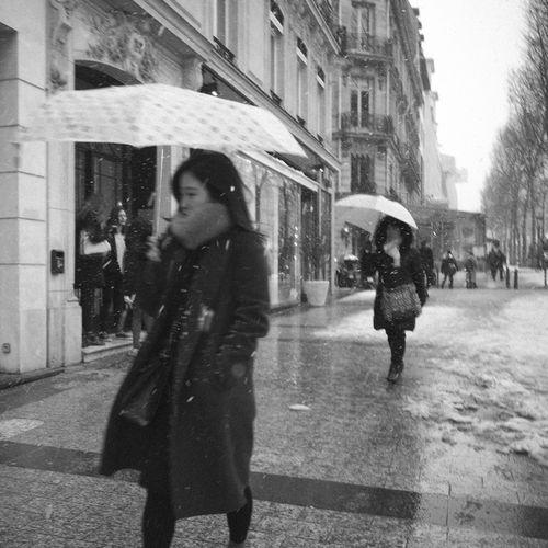 RICOH GR 2 Blackandwhite Candid Candid Photography Monochrome Rain Streetphotography