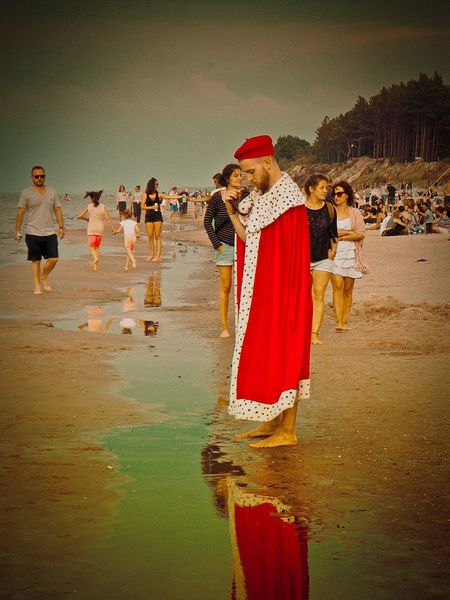 Festival plötzlich am Meer 🌊 Desert Reflection Traditional Clothing Red Sand People Adult Full Length Water Beach Outdoors Adults Only Women Day Young Adult Sky Mammal nicospecial.de Nicospecial The Photojournalist - 2017 EyeEm Awards The Week On EyeEm Be. Ready.