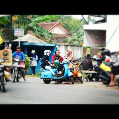 BaksosRamadhanMalves2014 MalangVespa Malves  Malang Vespa BrotherHood Scooteraphy WhatASmile :D