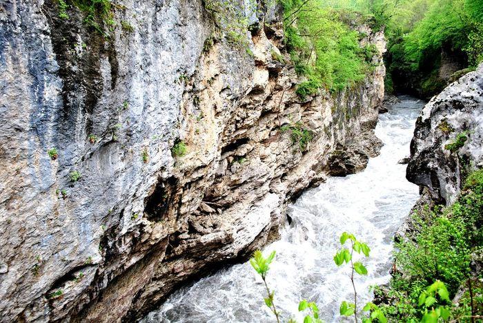 Природа теснина река Адыгея высоко