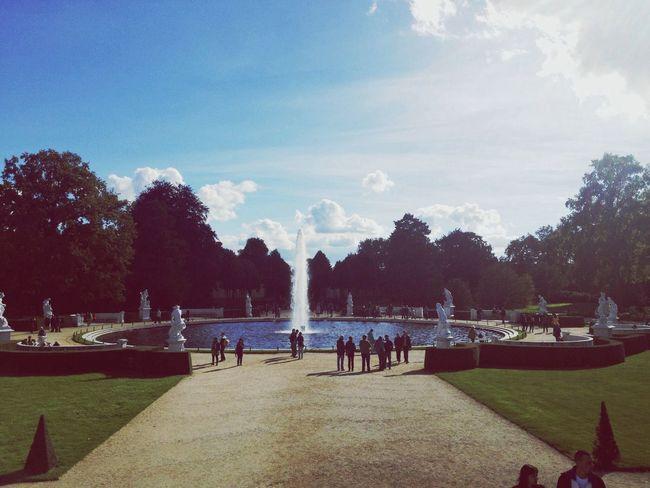 September Sun Fountain Sunny Afternoon