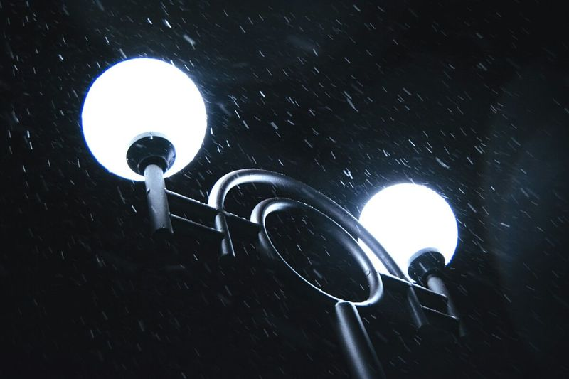 Street lamps collection Night Lights Snowfall Night Illuminated Great Outdoors With Adobe Freshness Snow Composition Cold Temperature Snowing Lifestyles Winter Love White Time By Ivan Maximov From My Point Of View Eyeem Photo Photo Of The Day Exceptional Photographs Night Snow Night View Night Photography White Noise  Open Edit Our Best Pics