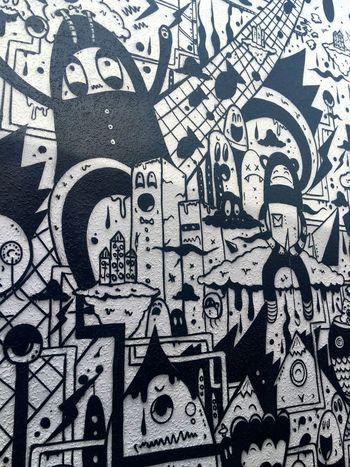 Cool street art down an alleyway Streetart Art Alleyway On A Wall ArtWork