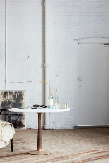 White table and chairs at home