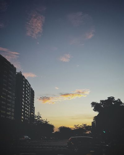 Singapore Sunset. Sunset Sky Outdoors Cloud - Sky Low Angle View City Nature EyeEmNewHere Singapore Neighborhood Map Beauty In Nature Sommergefühle 100 Days Of Summer EyeEm Selects