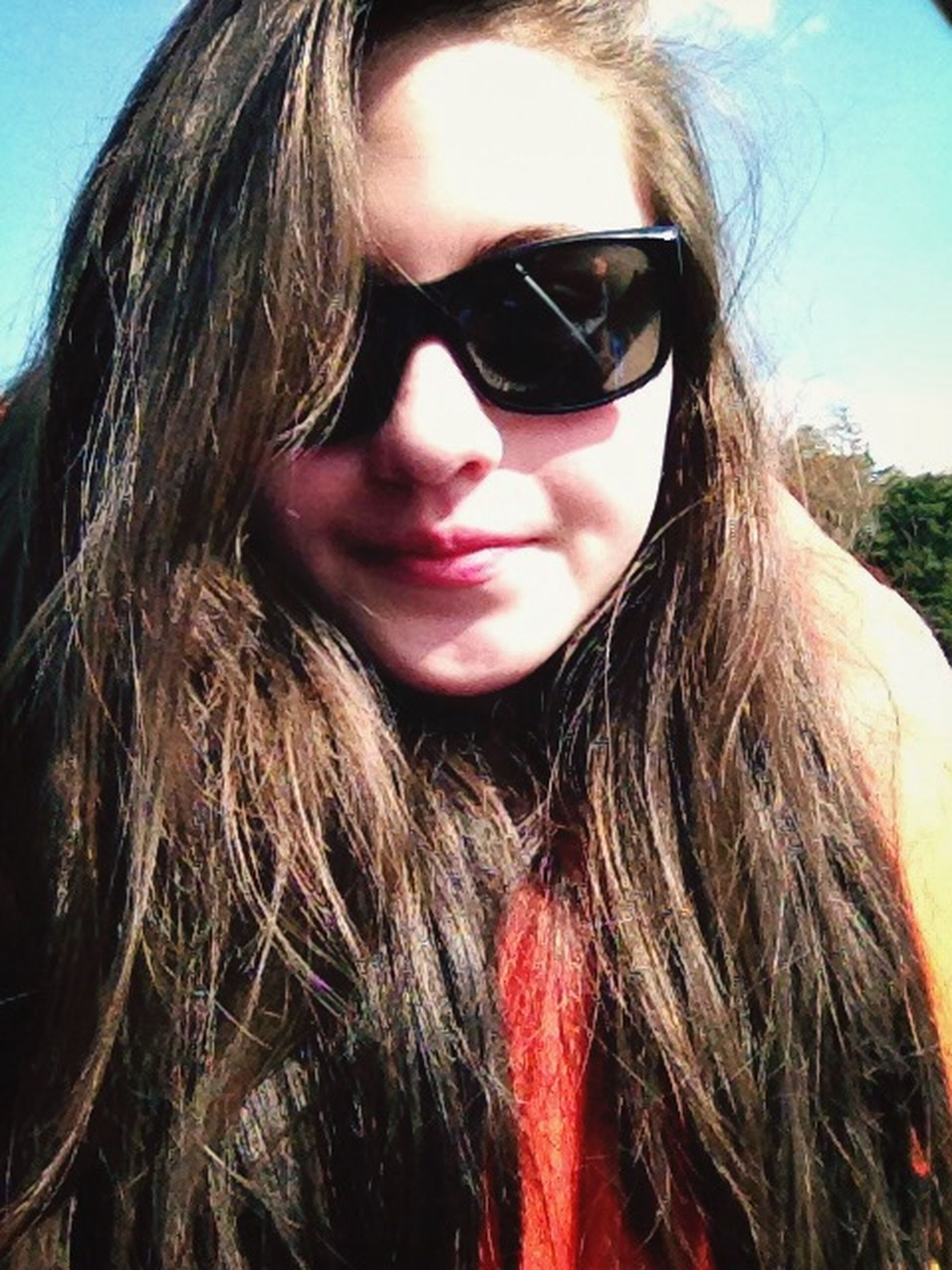 headshot, person, young women, close-up, lifestyles, young adult, long hair, looking at camera, leisure activity, portrait, head and shoulders, sunglasses, blond hair, human face, front view, brown hair, human hair