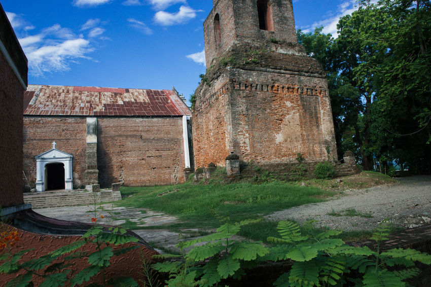 That beautiful church in Sarrat, Ilocos Norte, PH. Church Colour Of Life Eye4photography  EyeEm Best Edits EyeEm Best Pics EyeEm Best Shots Eyeem Philippines EyeEmBestPics