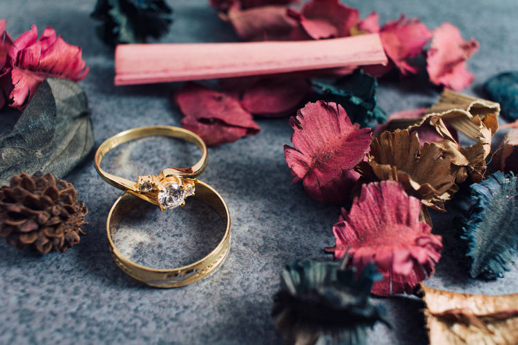 Gold Engagement and Wedding Ring Accessories Beautiful Beauty Celebrate Commercial Design Display Elégance Expensive Fashion Gift Gold Jewellery Jewelry Love Luxury Market Precious Relationship Wealth Women