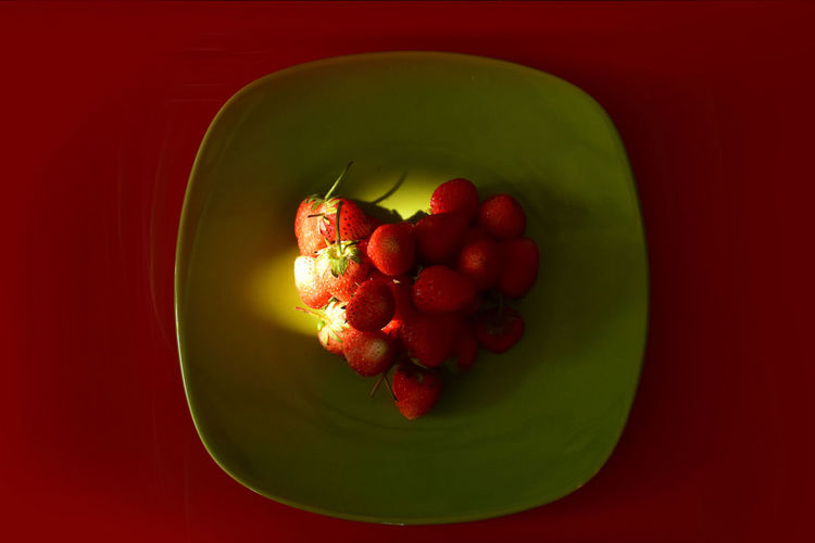 love strawberry Food And Drink Freshness Fruit Healthy Eating Heart Shaped  Heart ❤ Love Strawberry Plate Ready-to-eat Red Strawberry