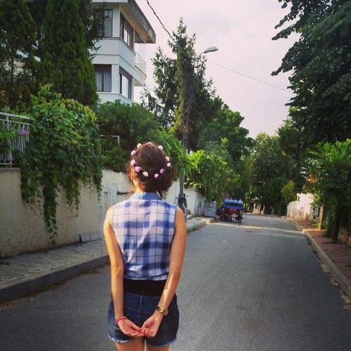 Ada sokaklarını neşeyle turlarken ?? Sokak Street Gezi Gezmek adalar büyükada akşamüstü istanbul Turkey princeısland huzur neşe