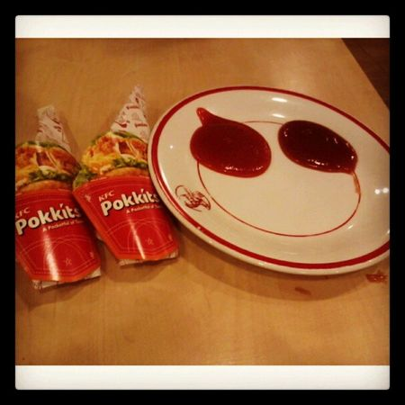 Two Pockkits \m/ Foods Pockkits Today Nyummy with @chiistin1901 instapict instadaily tags4love like4like FlwMe