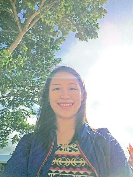👌🌴🌞 Manila, Philippines Eyeemphotography EyeemPhilippines Eyeem Philippines Reflection Escaping From The Heat
