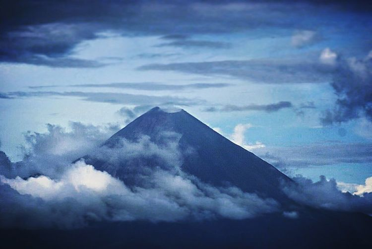 volcano #volcano #volcan Cloud - Sky History Pyramid Architecture No People Outdoors Built Structure Sky Nature Day