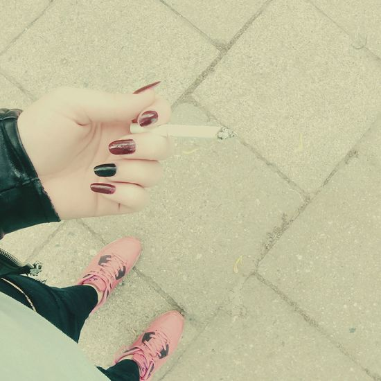 It's bad but i like it 💕 Cigarette  Nails Smoke NaturalNails Photooftheday Chill Photooftheday Morning :)