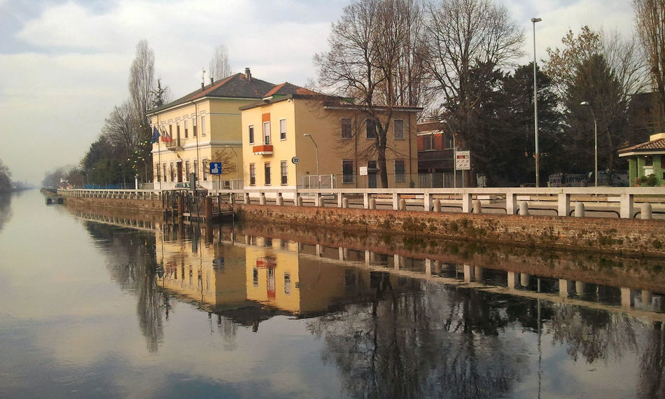 Naviglio grande Blue Sky Leading Naviglio Grande No Humans, No Chaos. Outdoors Reflection River Tree Water The Week On Eyem