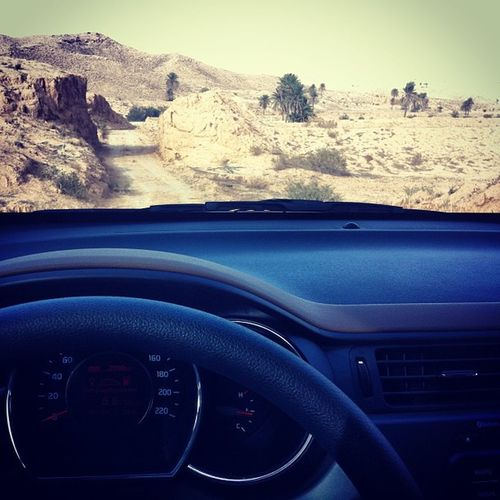 Hadej Gabes Matmata Tunisia desert sahara mountain rock sand sky kia rio