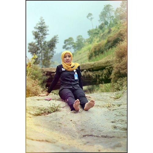 Ayu dewi Gunung Rock Sungai Sumbing Bestphotogram_portraits Hijab Jilbab