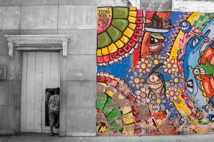 Ambiguo universo Architecture Art And Craft Bnw_captures Bnw_collection Bnw_life Bnw_society Building Exterior Built Structure Cartagena Colombia Colombia ♥  Colorful Creativity Day EyeEm Best Edits EyeEm Best Shots EyeEm Best Shots - Black + White EyeEm Gallery Getsemani Multi Colored No People Outdoors